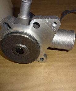 Vattenpump med packning, aluminium Ford Capri II alla mod. 1.6 Lit. 1974-75 Ford Capri II alla mod. 2.0 S ( OHC ) 1976-79 Consul alla mod. 2.0 Lit. ( OHC), 1972-75 Granada alla mod. 2.0 Lit. ( OHC ), 1975-79 Taunus alla mod. 4-cyl,1.6, 2.0 Lit. ( OHC ), 1971-79 Ej servo. Ref.nr. Ford 5005058 / Ford 1528518