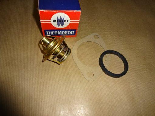 Termostat + 2 packningar, Ford 4-cyl. Taunus, 1600, 2000, 1971- 82 Ford Granada, 4-cyl. 1975-85 Ford Consul 4-cyl. 1972-75 88° art.nr. Wahler 3021